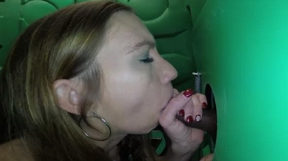 PORTA GLORYHOLE - KIM CANT WAIT FOR MORE SPERM IN MOUTH